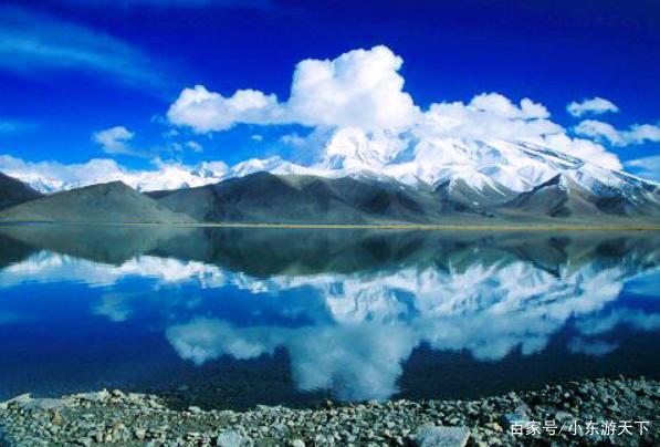 高山冰碛湖,怒江两岸雪山深处,有无数的高冰碛湖