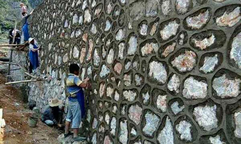 云南科贝承建挡土墙项目